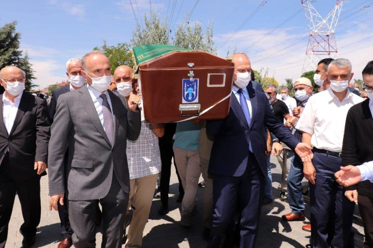 Son dakika haber... Bakan Soylu, Düzce Belediye Başkanı Faruk Özlü'yü acı gününde yalnız bırakmadı
